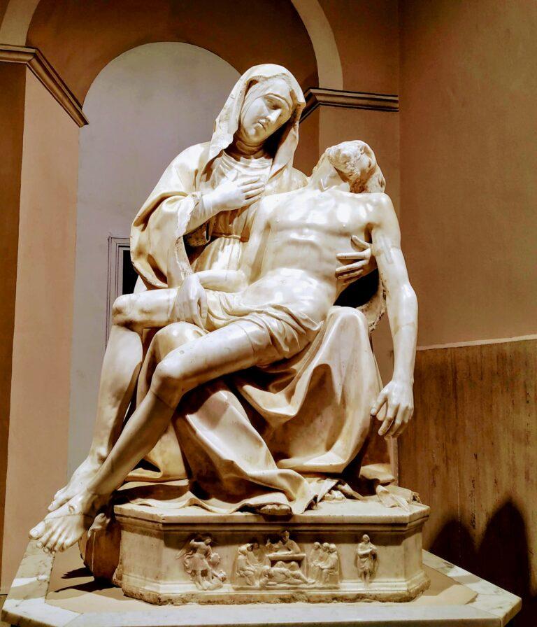 """Statue of the """"Pietà"""" of Antonello Gagini"""