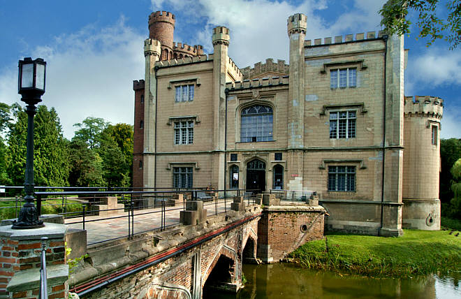 The Castle in Greater Poland where the White Lady never sleeps…