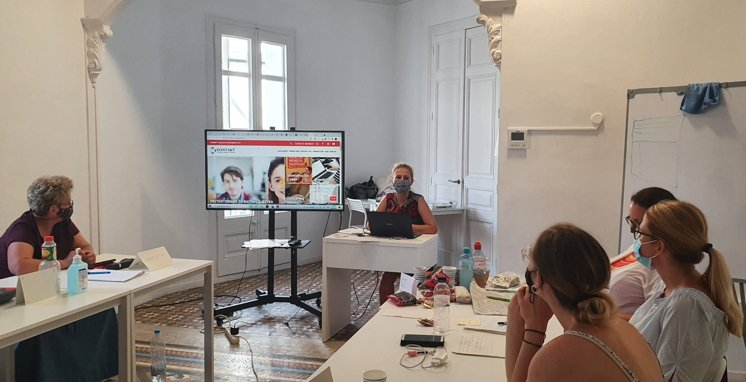 """""""Let's teach Europe!"""" disseminated in Spain, Greece and Poland"""